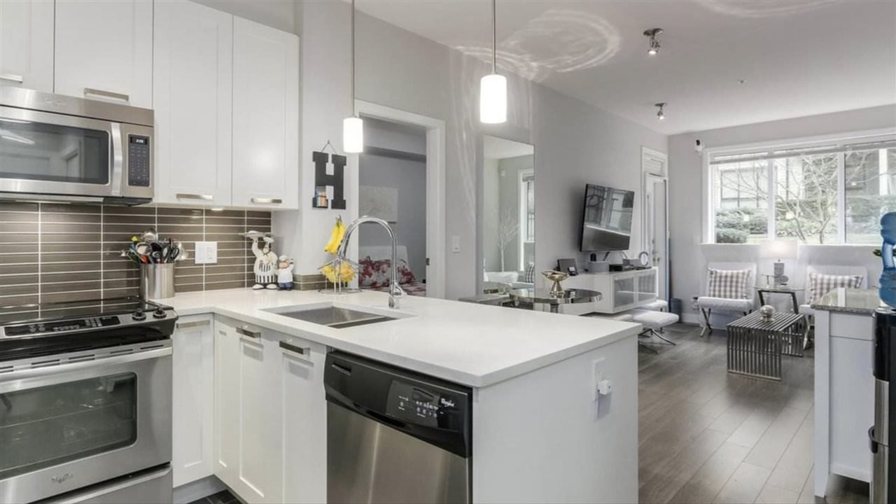 """Photo 5: Photos: 103 10477 154 Street in Surrey: Guildford Condo for sale in """"G 3 Residences"""" (North Surrey)  : MLS®# R2388073"""