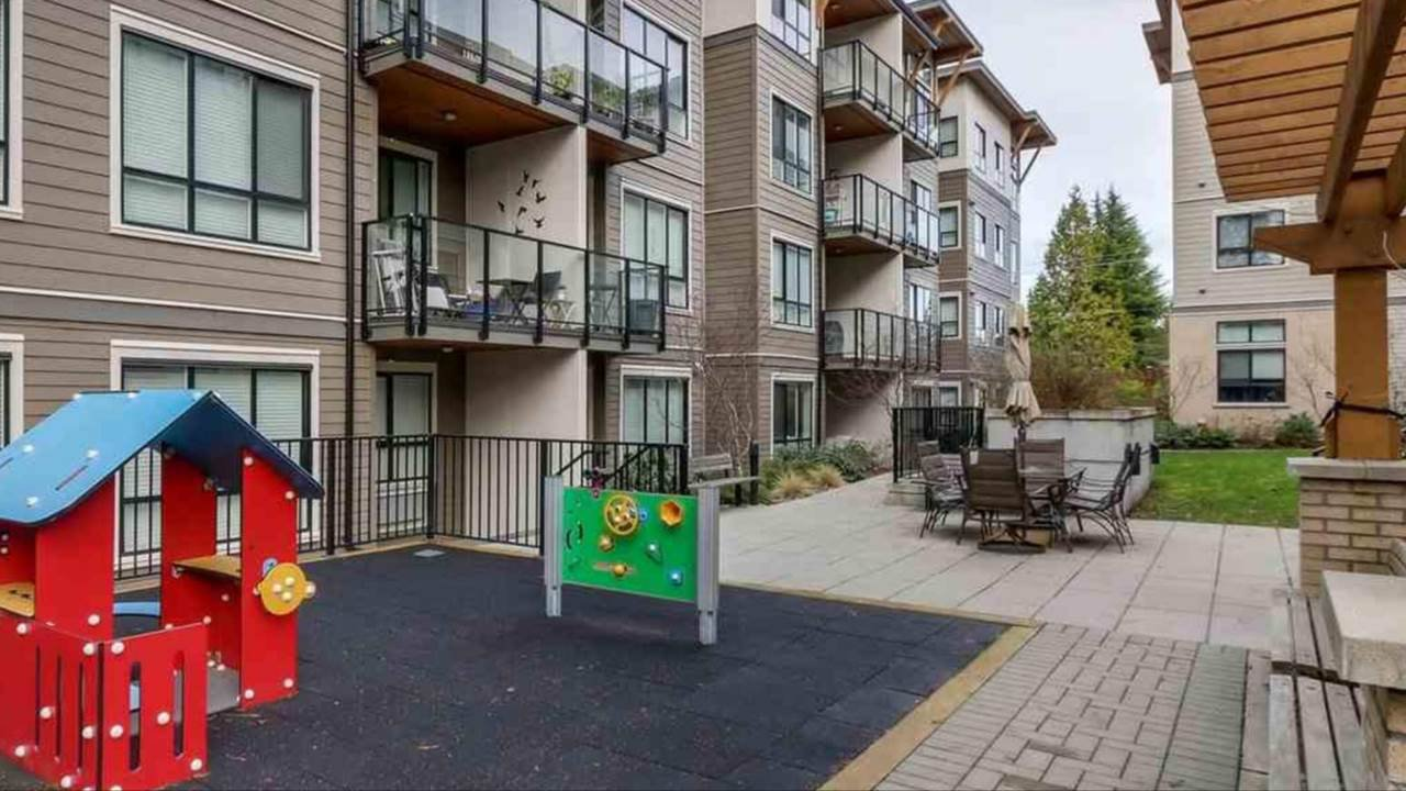 """Photo 12: Photos: 103 10477 154 Street in Surrey: Guildford Condo for sale in """"G 3 Residences"""" (North Surrey)  : MLS®# R2388073"""