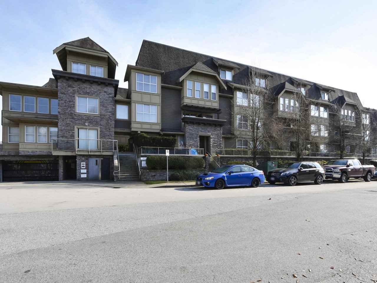 "Main Photo: 231 2108 ROWLAND Street in Port Coquitlam: Central Pt Coquitlam Townhouse for sale in ""AVIVA AT CENTRAL PARK"" : MLS®# R2417793"