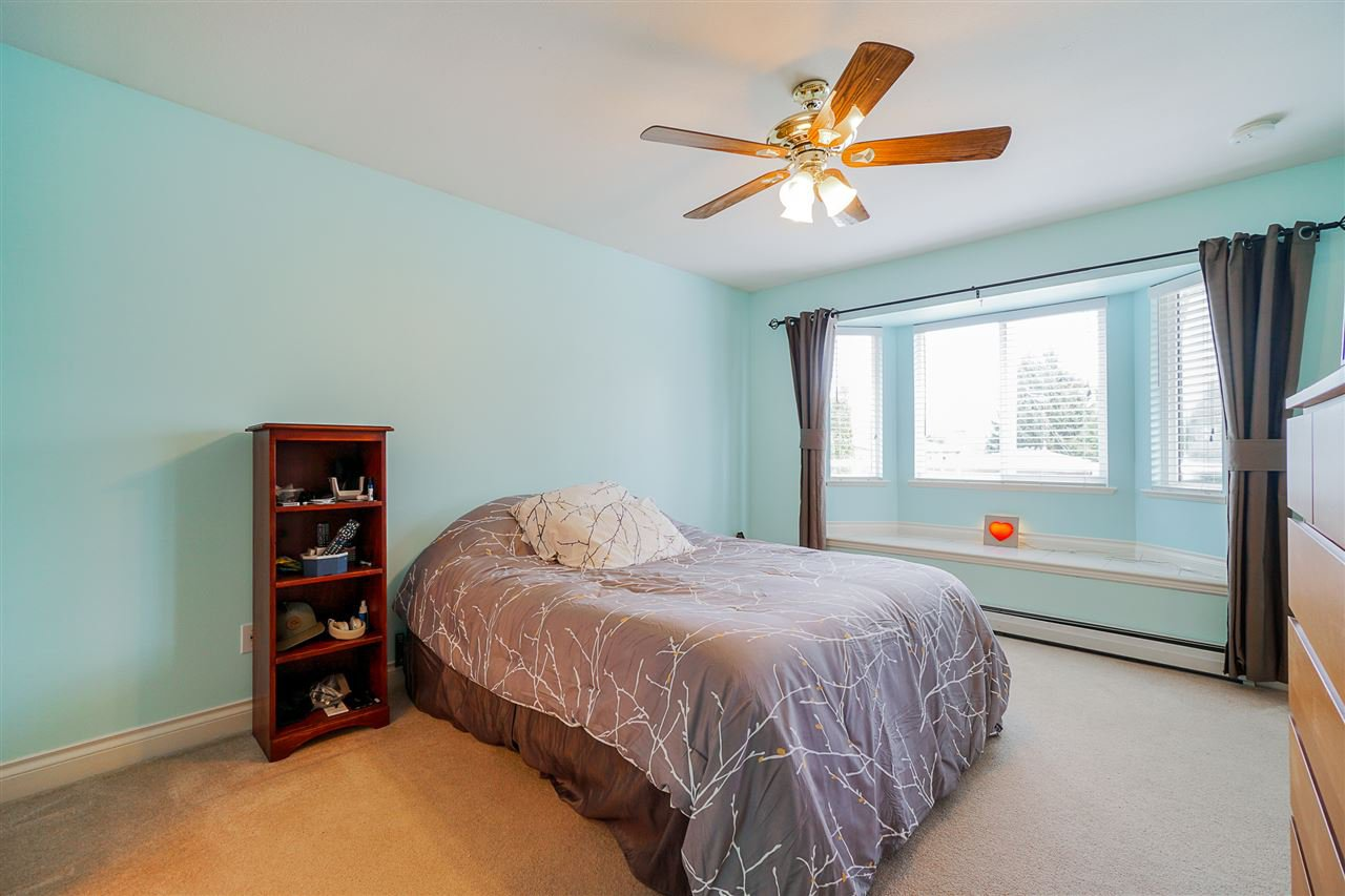 """Photo 13: Photos: 823 WILLIAM Street in New Westminster: The Heights NW House for sale in """"Massey Heights"""" : MLS®# R2449287"""