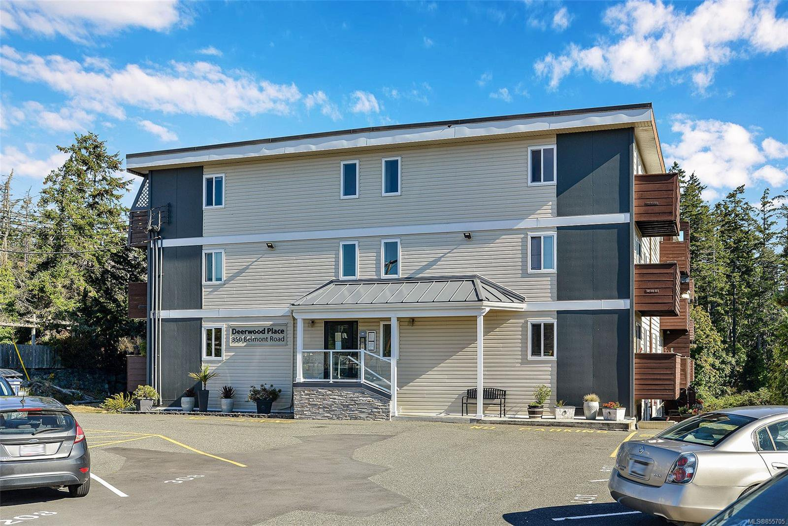 Main Photo: 205 350 Belmont Rd in : Co Colwood Corners Condo Apartment for sale (Colwood)  : MLS®# 855705