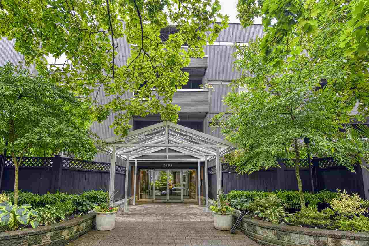 """Main Photo: 205 2885 SPRUCE Street in Vancouver: Fairview VW Condo for sale in """"Fairview Gardens"""" (Vancouver West)  : MLS®# R2465666"""