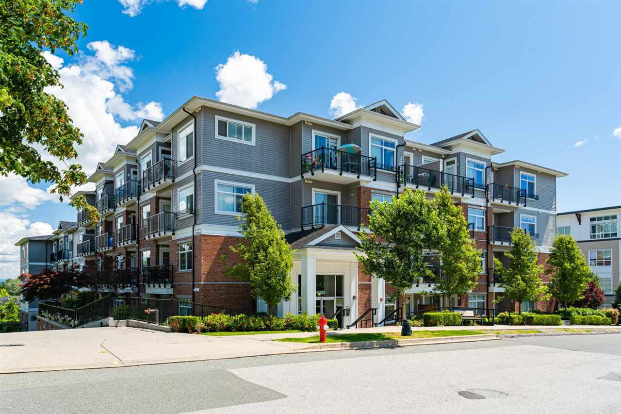 """Main Photo: 301 6480 195A Street in Surrey: Clayton Condo for sale in """"SALIX"""" (Cloverdale)  : MLS®# R2480232"""