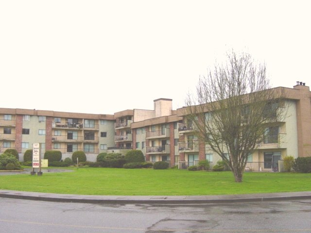 "Main Photo: 45598 MCINTOSH Drive in Chilliwack: Chilliwack  W Young-Well Condo for sale in ""MCINTOSH MANOR"" : MLS®# H2601450"