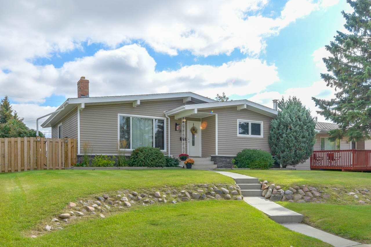 Main Photo: 34 ERIE Street S: Devon House for sale : MLS®# E4176480