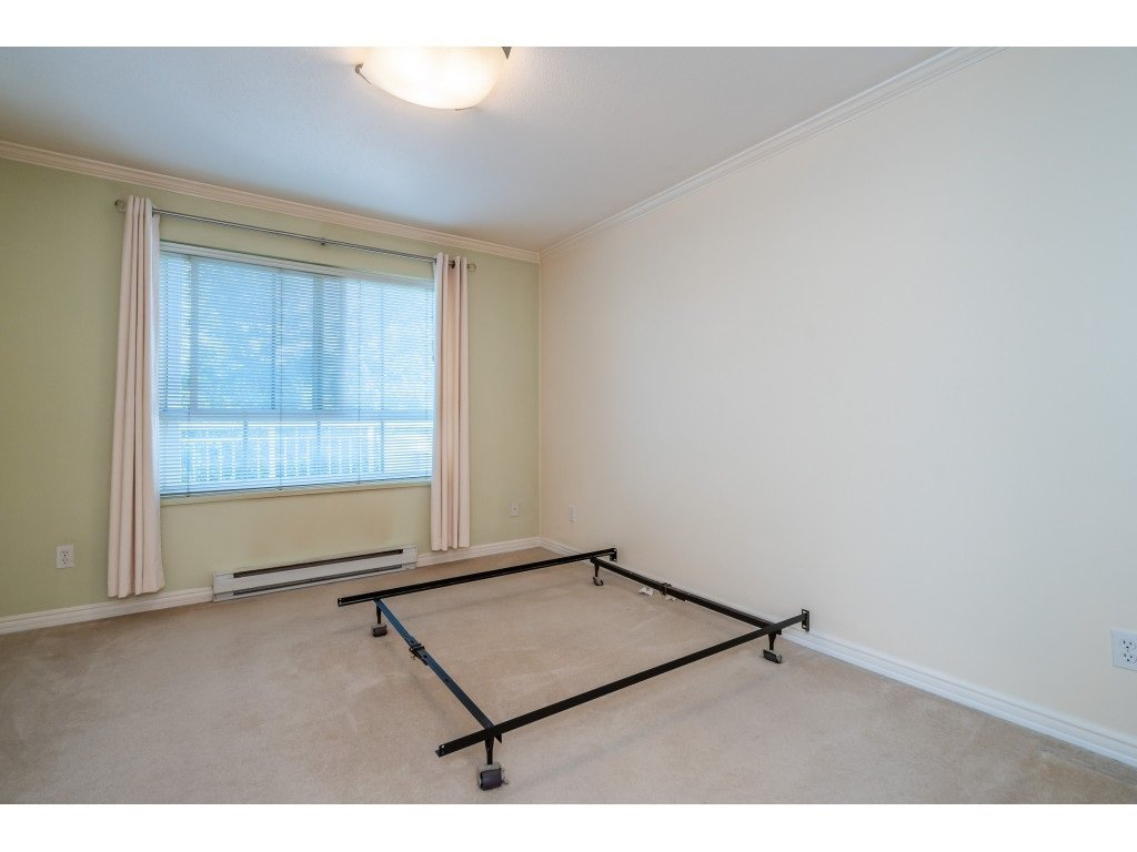 """Photo 11: Photos: 303 19750 64 Avenue in Langley: Willoughby Heights Condo for sale in """"Davenport"""" : MLS®# R2480874"""