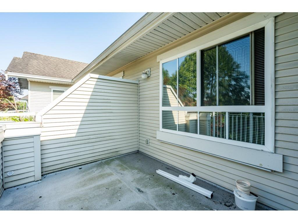 """Photo 18: Photos: 303 19750 64 Avenue in Langley: Willoughby Heights Condo for sale in """"Davenport"""" : MLS®# R2480874"""