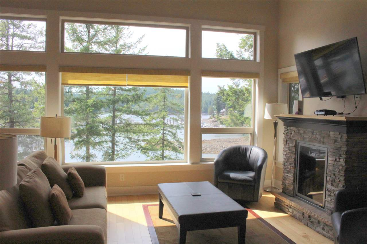 "Photo 9: Photos: 25A 12849 LAGOON Road in Pender Harbour: Pender Harbour Egmont Condo for sale in ""PAINTED BOAT RESORT"" (Sunshine Coast)  : MLS®# R2391967"