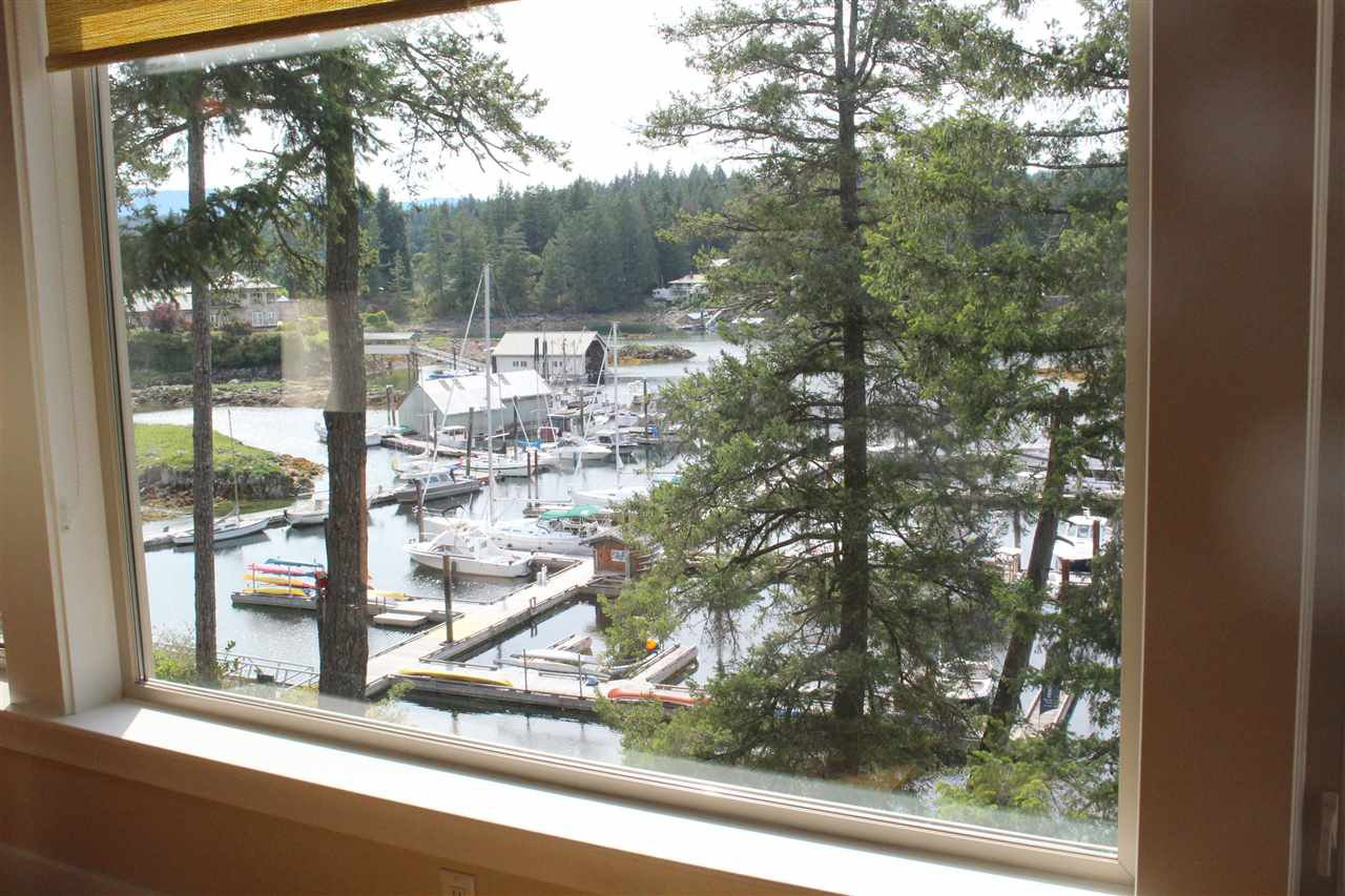 "Photo 10: Photos: 25A 12849 LAGOON Road in Pender Harbour: Pender Harbour Egmont Condo for sale in ""PAINTED BOAT RESORT"" (Sunshine Coast)  : MLS®# R2391967"