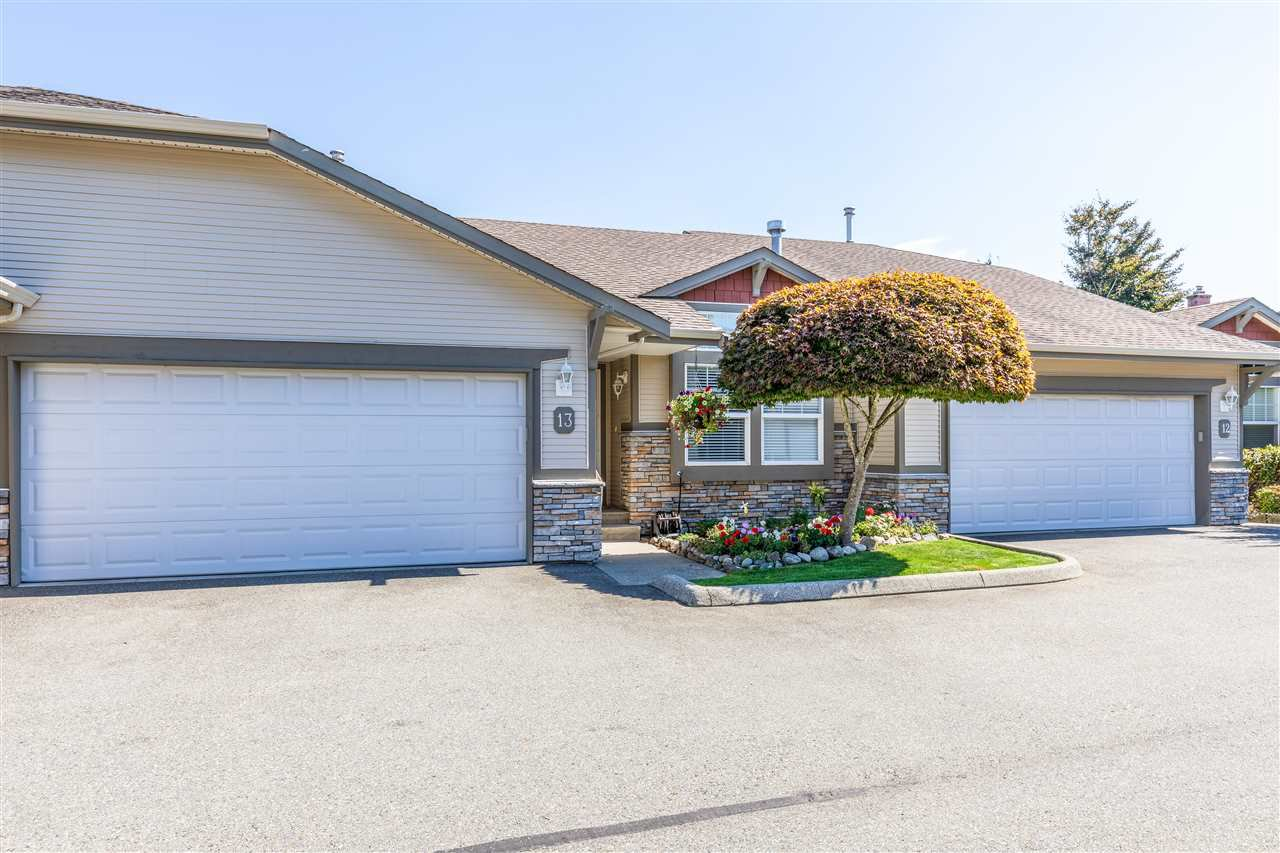 """Main Photo: 13 3635 BLUE JAY Street in Abbotsford: Abbotsford West Townhouse for sale in """"COUNTRY RIDGE"""" : MLS®# R2410422"""