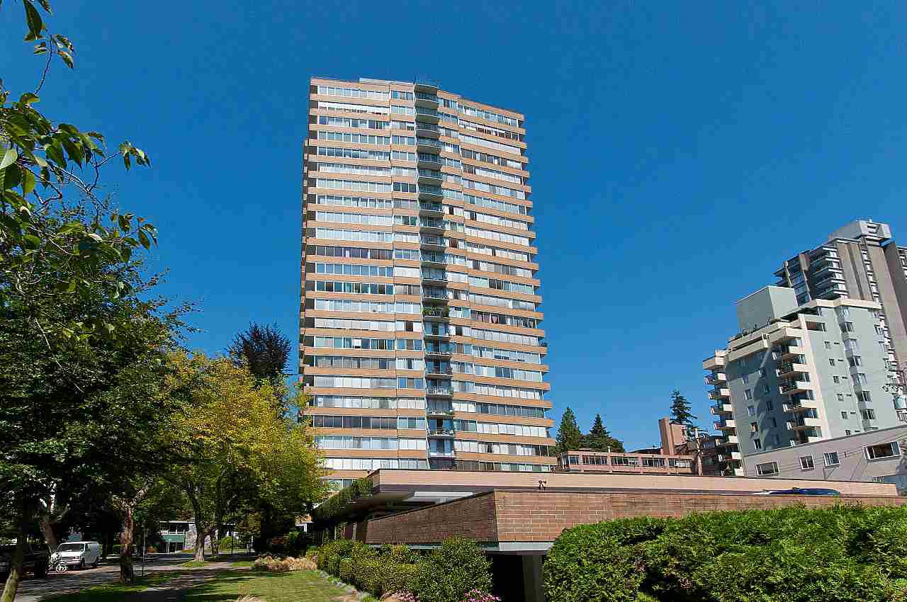 """Main Photo: 1906 2055 PENDRELL Street in Vancouver: West End VW Condo for sale in """"Panorama Place"""" (Vancouver West)  : MLS®# R2417095"""
