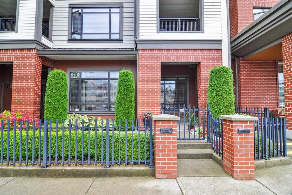 "Main Photo: 101 8880 202 Street in Langley: Walnut Grove Condo for sale in ""The Residences"" : MLS®# R2420423"