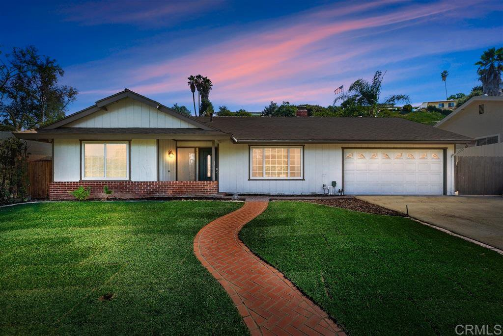 Main Photo: SOUTH ESCONDIDO House for sale : 4 bedrooms : 1553 Kenora St in Escondido