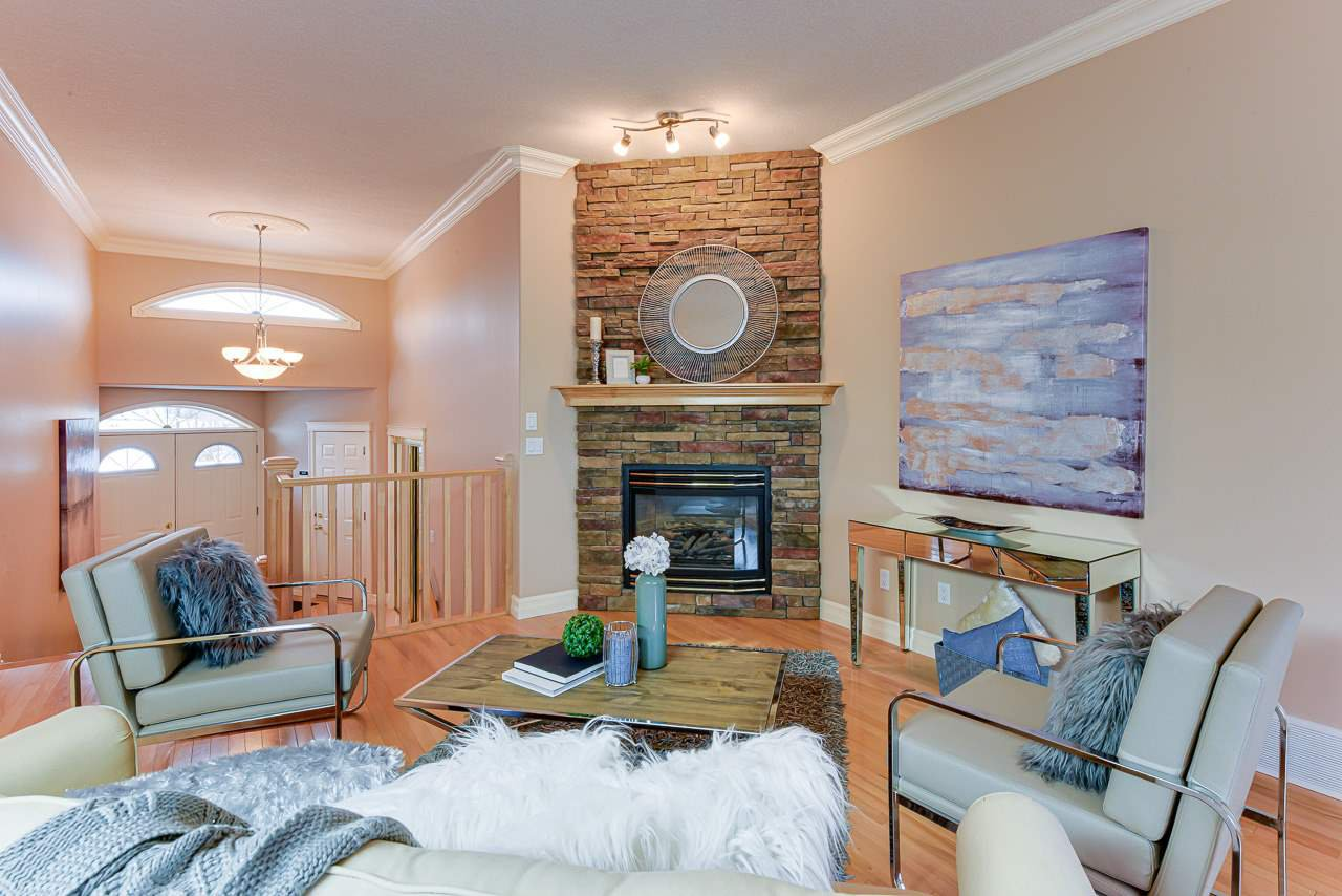 Main Photo: 664 DALHOUSIE Crescent in Edmonton: Zone 20 House for sale : MLS®# E4182556