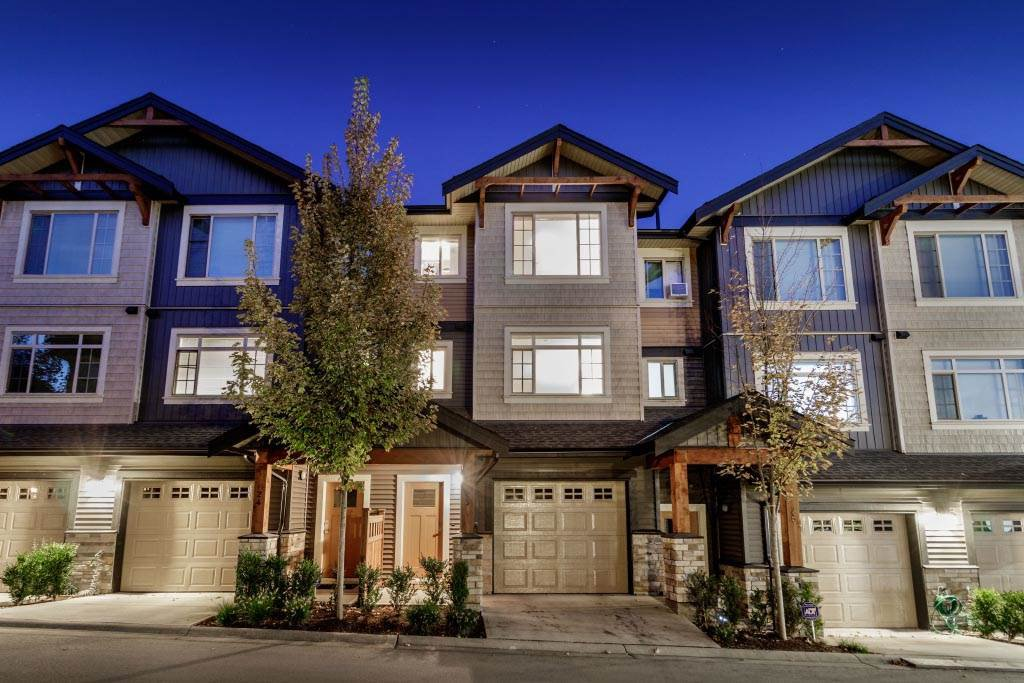 Main Photo: 25 11305 240 Street in Maple Ridge: Cottonwood MR Townhouse for sale : MLS®# R2410390