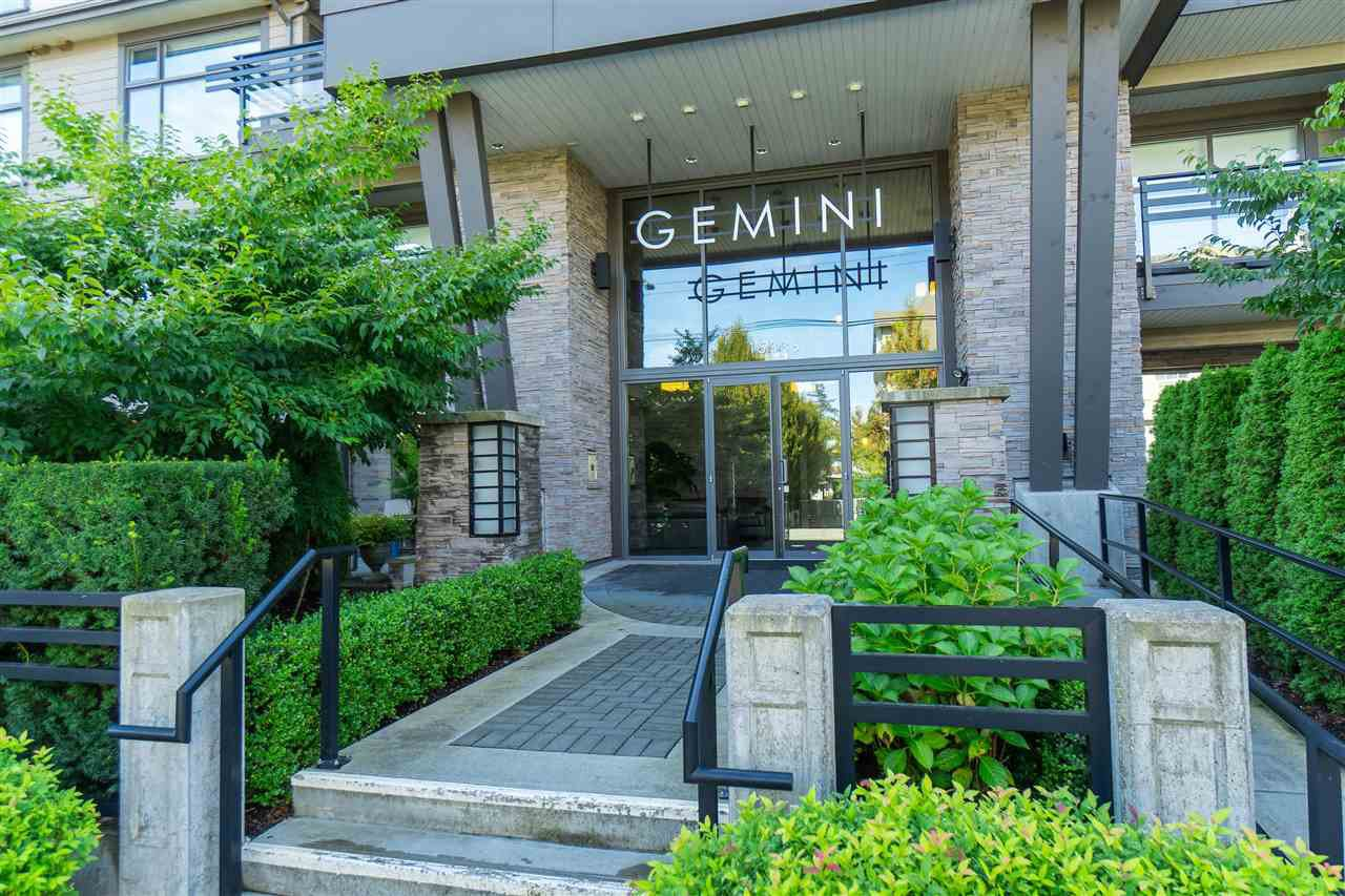 "Main Photo: 310 15336 17A Avenue in Surrey: King George Corridor Condo for sale in ""Gemini II"" (South Surrey White Rock)  : MLS®# R2407903"