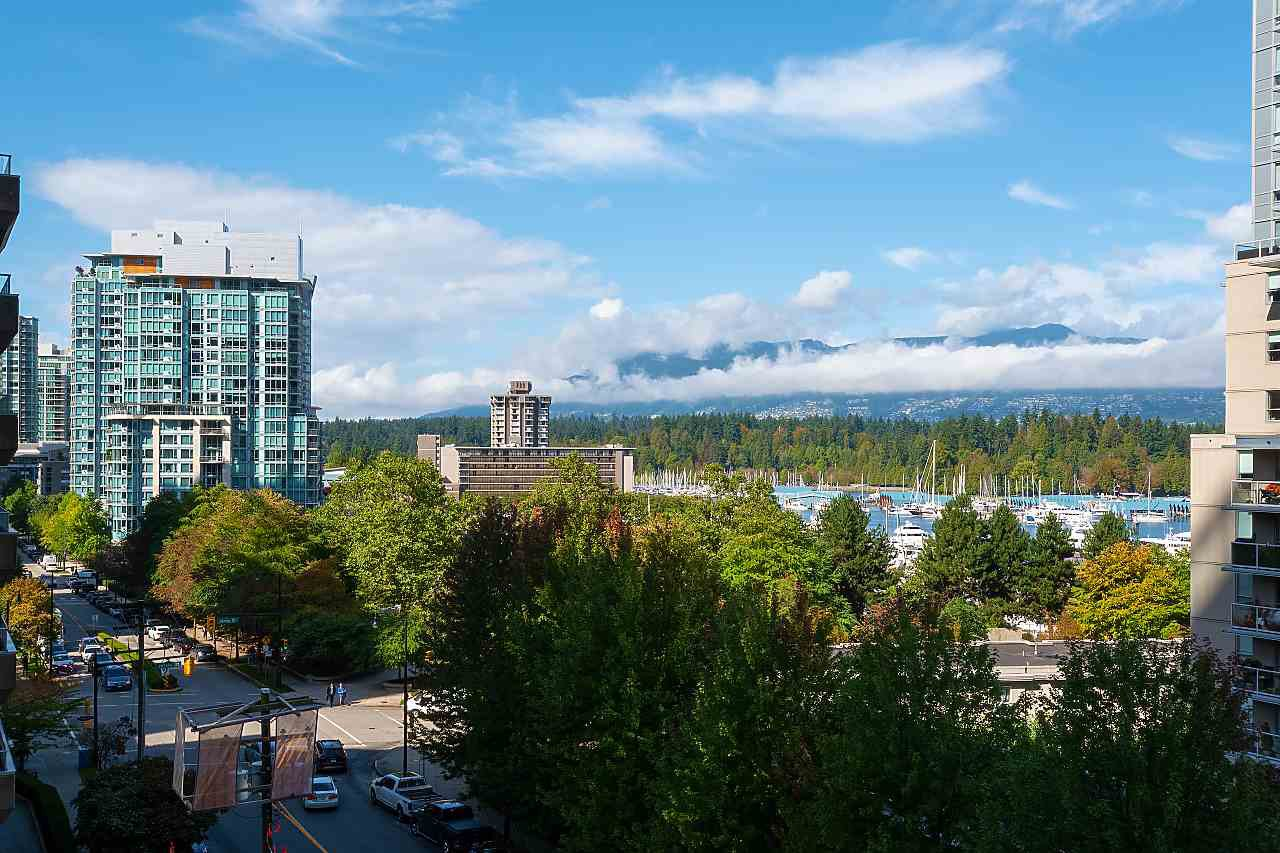 "Main Photo: 502 1228 W HASTINGS Street in Vancouver: Coal Harbour Condo for sale in ""PALLADIO"" (Vancouver West)  : MLS®# R2408560"
