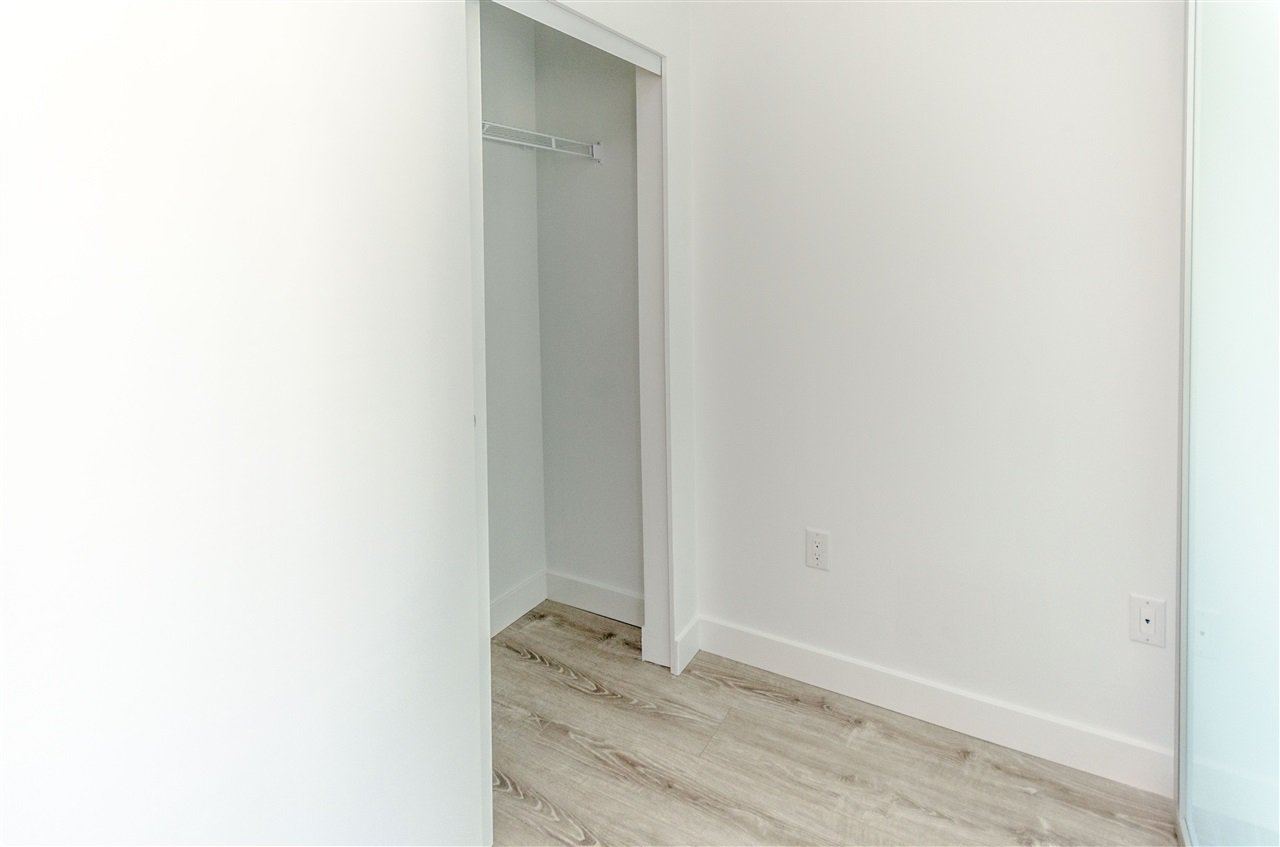 """Photo 12: Photos: 307 2382 ATKINS Avenue in Port Coquitlam: Central Pt Coquitlam Condo for sale in """"PARC EAST"""" : MLS®# R2417845"""