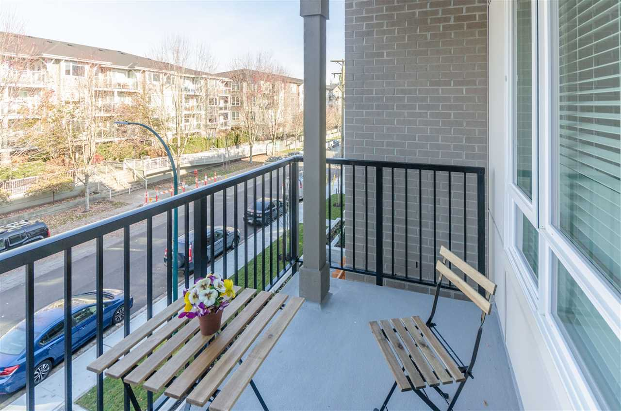 """Photo 14: Photos: 307 2382 ATKINS Avenue in Port Coquitlam: Central Pt Coquitlam Condo for sale in """"PARC EAST"""" : MLS®# R2417845"""