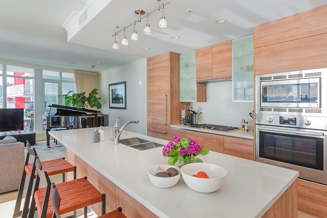 """Photo 6: Photos: 701 199 VICTORY SHIP Way in North Vancouver: Lower Lonsdale Condo for sale in """"TROPHY AT THE PIER"""" : MLS®# R2509292"""