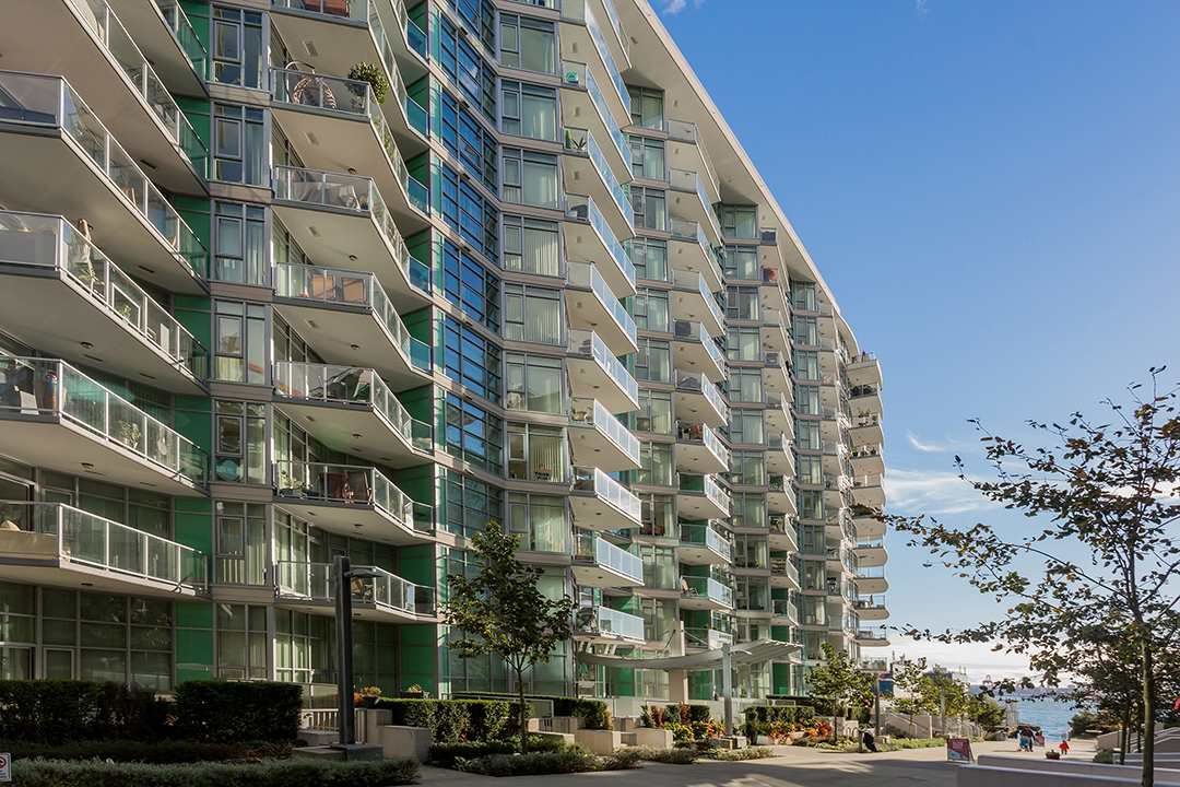 """Photo 30: Photos: 701 199 VICTORY SHIP Way in North Vancouver: Lower Lonsdale Condo for sale in """"TROPHY AT THE PIER"""" : MLS®# R2509292"""