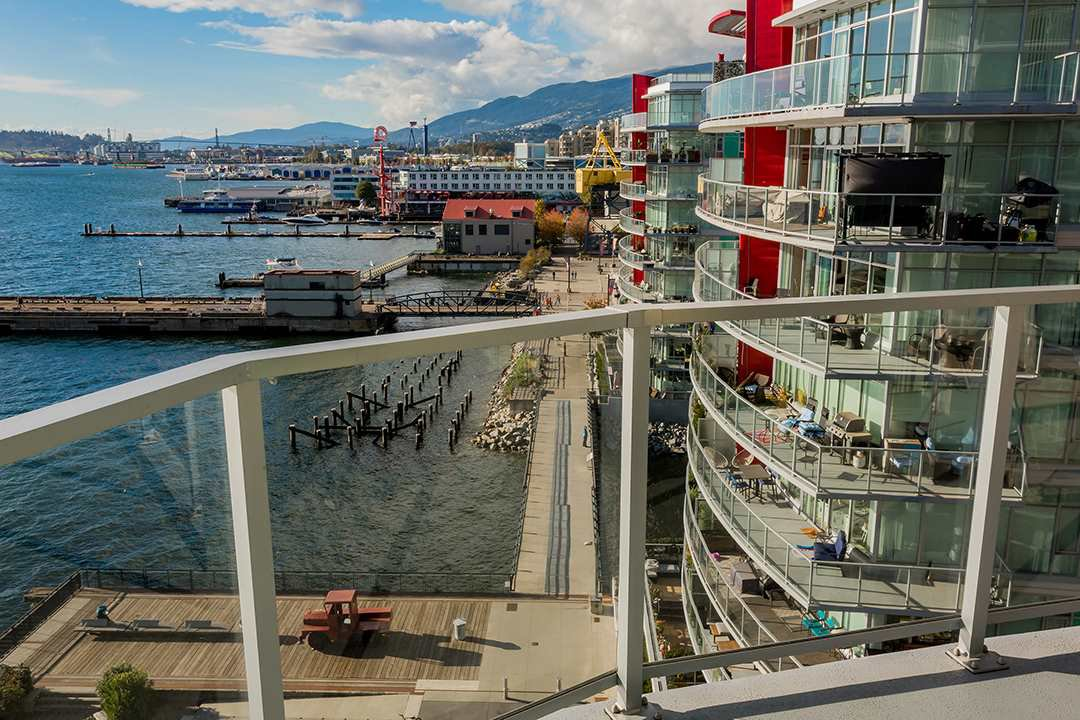 """Photo 25: Photos: 701 199 VICTORY SHIP Way in North Vancouver: Lower Lonsdale Condo for sale in """"TROPHY AT THE PIER"""" : MLS®# R2509292"""