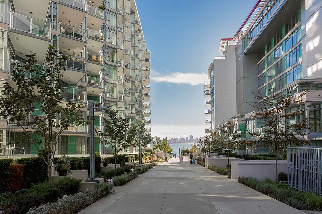 """Photo 31: Photos: 701 199 VICTORY SHIP Way in North Vancouver: Lower Lonsdale Condo for sale in """"TROPHY AT THE PIER"""" : MLS®# R2509292"""