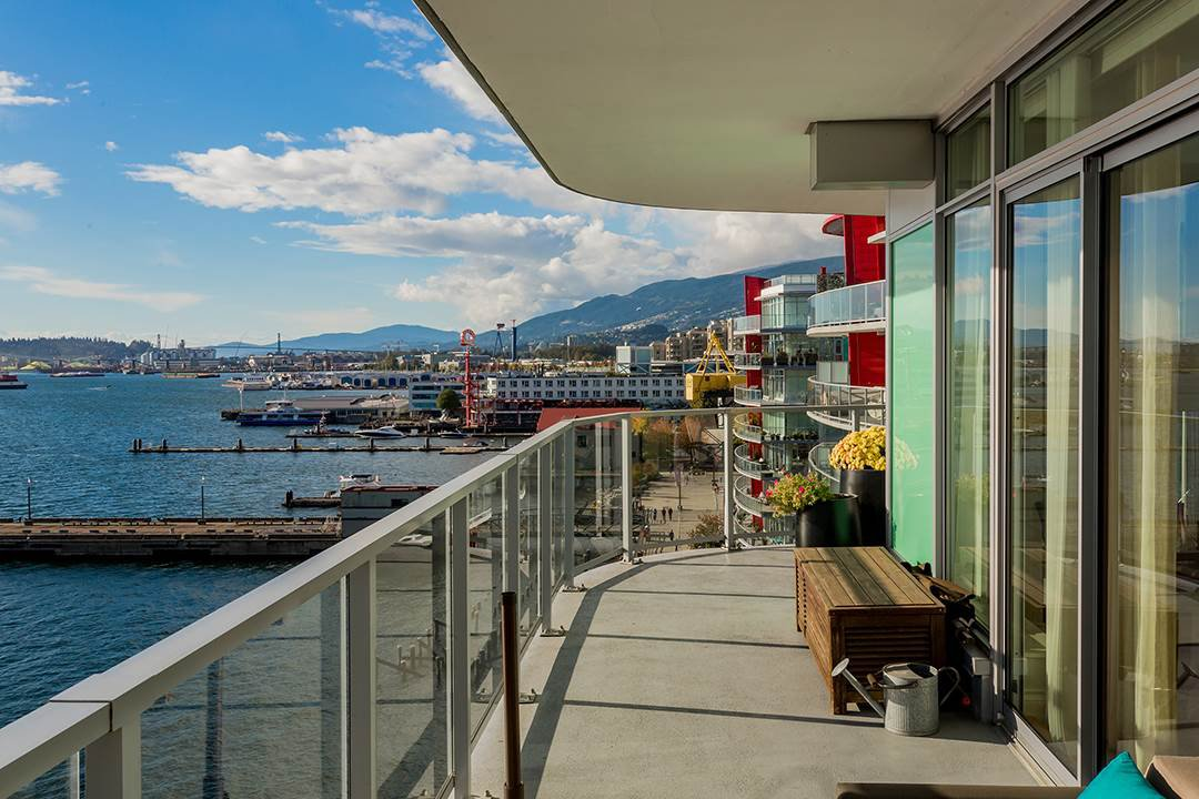 """Photo 24: Photos: 701 199 VICTORY SHIP Way in North Vancouver: Lower Lonsdale Condo for sale in """"TROPHY AT THE PIER"""" : MLS®# R2509292"""