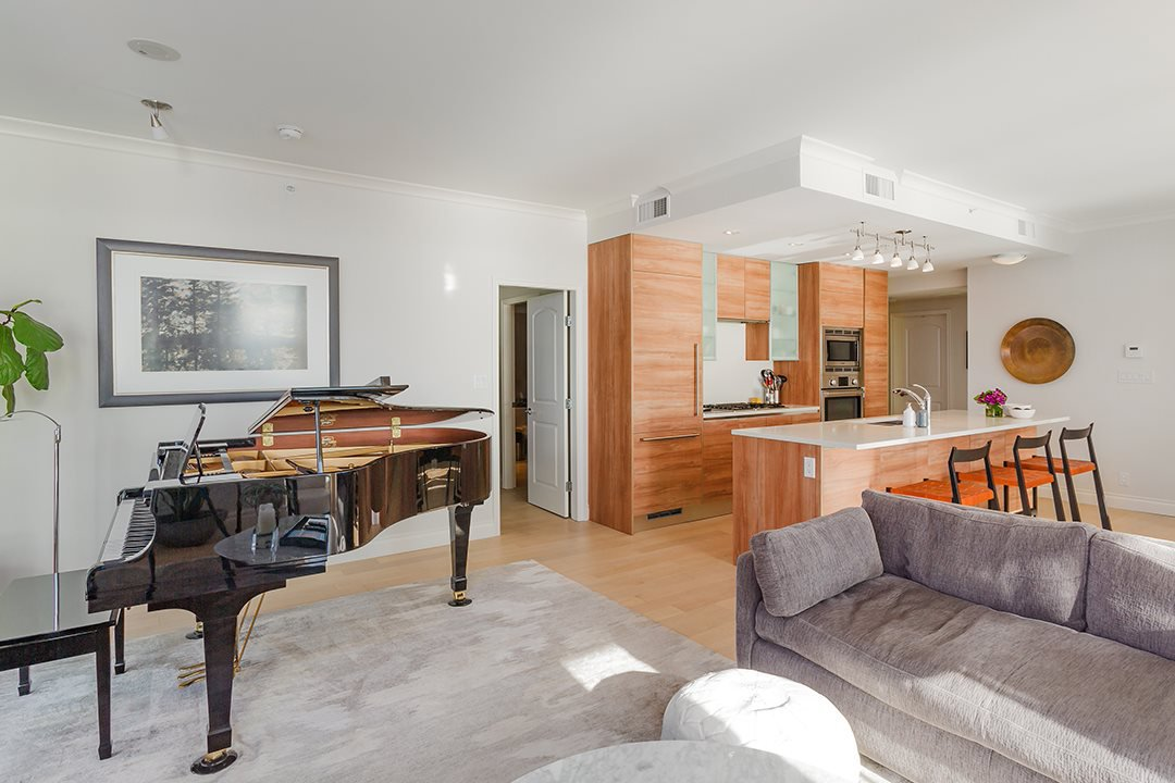 """Photo 9: Photos: 701 199 VICTORY SHIP Way in North Vancouver: Lower Lonsdale Condo for sale in """"TROPHY AT THE PIER"""" : MLS®# R2509292"""