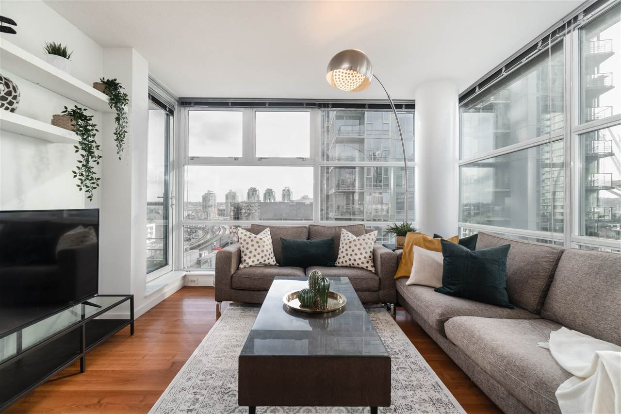 """Main Photo: 801 602 CITADEL Parade in Vancouver: Downtown VW Condo for sale in """"SPECTRUM"""" (Vancouver West)  : MLS®# R2428412"""