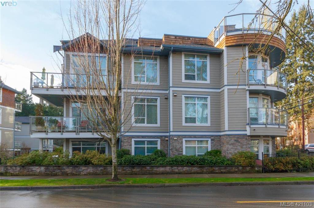 Main Photo: 403 611 Goldstream Ave in VICTORIA: La Fairway Condo for sale (Langford)  : MLS®# 833442