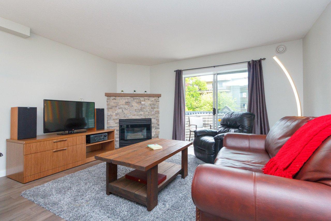 Main Photo: 208 2900 Orillia Street in Victoria: SW Gorge Condo Apartment for sale : MLS®# 427179