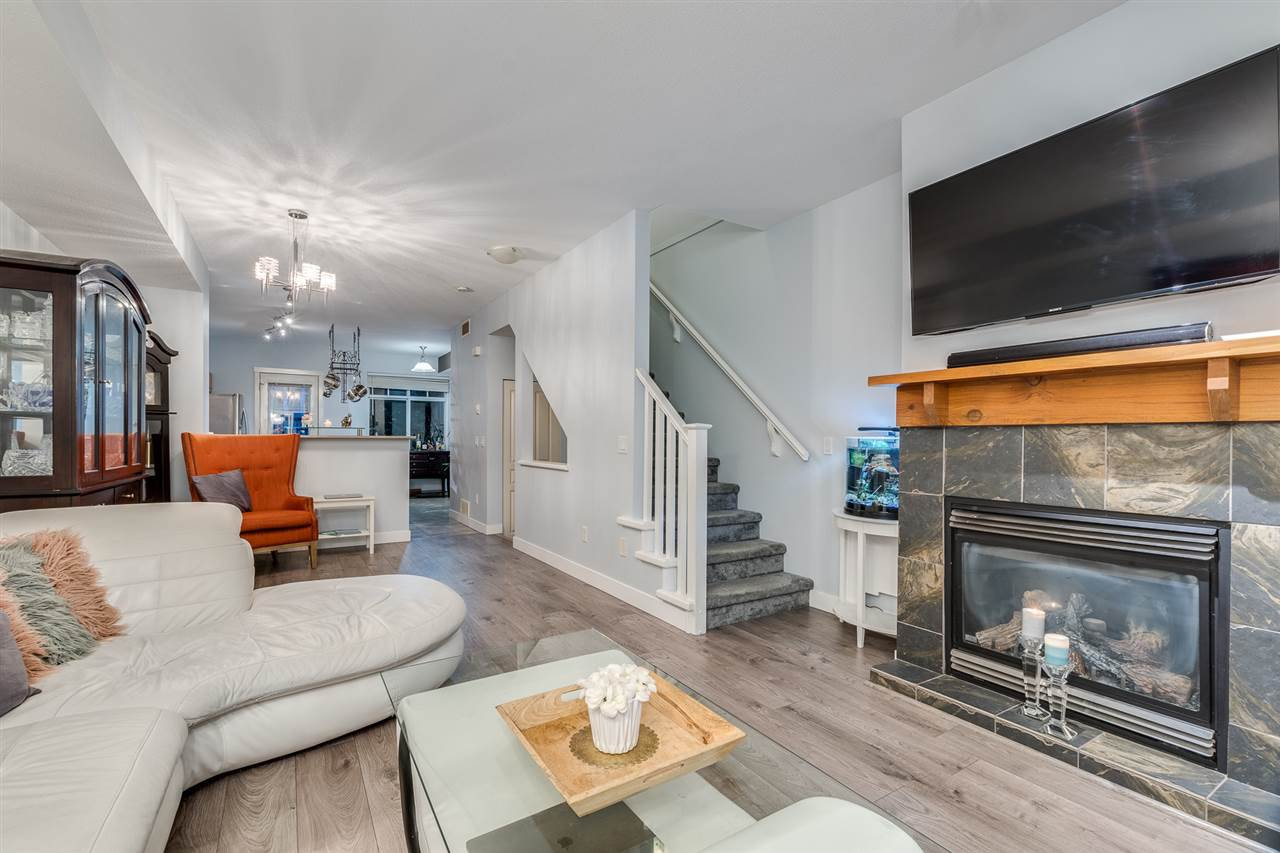 """Main Photo: 17 2000 PANORAMA Drive in Port Moody: Heritage Woods PM Townhouse for sale in """"Mountains Edge"""" : MLS®# R2477413"""