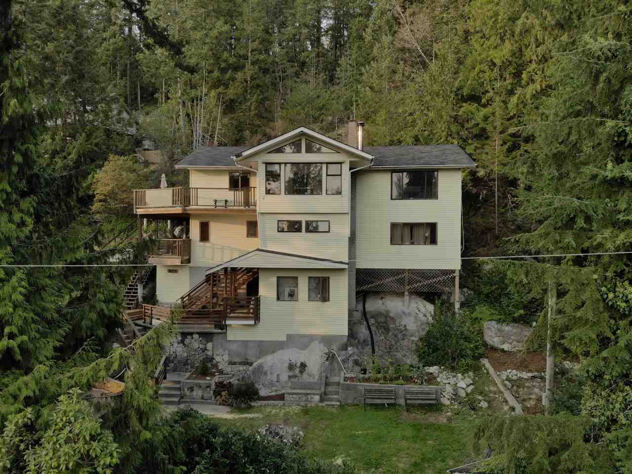 Main Photo: 5704 CARMEL Place in Sechelt: Sechelt District House for sale (Sunshine Coast)  : MLS®# R2504728