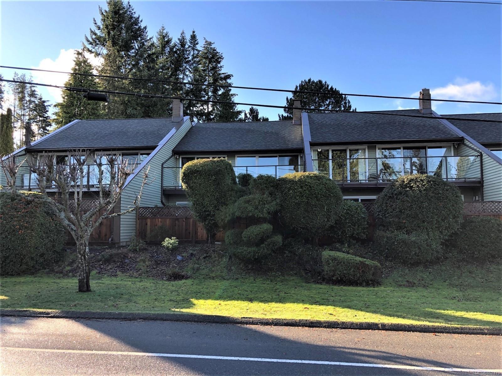 Main Photo: 6 570 W CRESCENT Rd in : PQ Qualicum Beach Row/Townhouse for sale (Parksville/Qualicum)  : MLS®# 862479