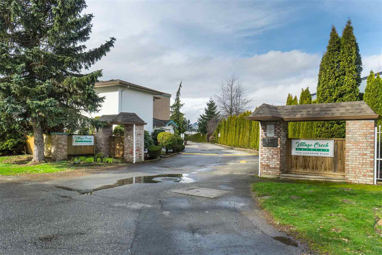 "Photo 2: Photos: 49 7715 LUCKAKUCK Place in Sardis: Sardis West Vedder Rd Townhouse for sale in ""Village Creek"" : MLS®# R2441639"