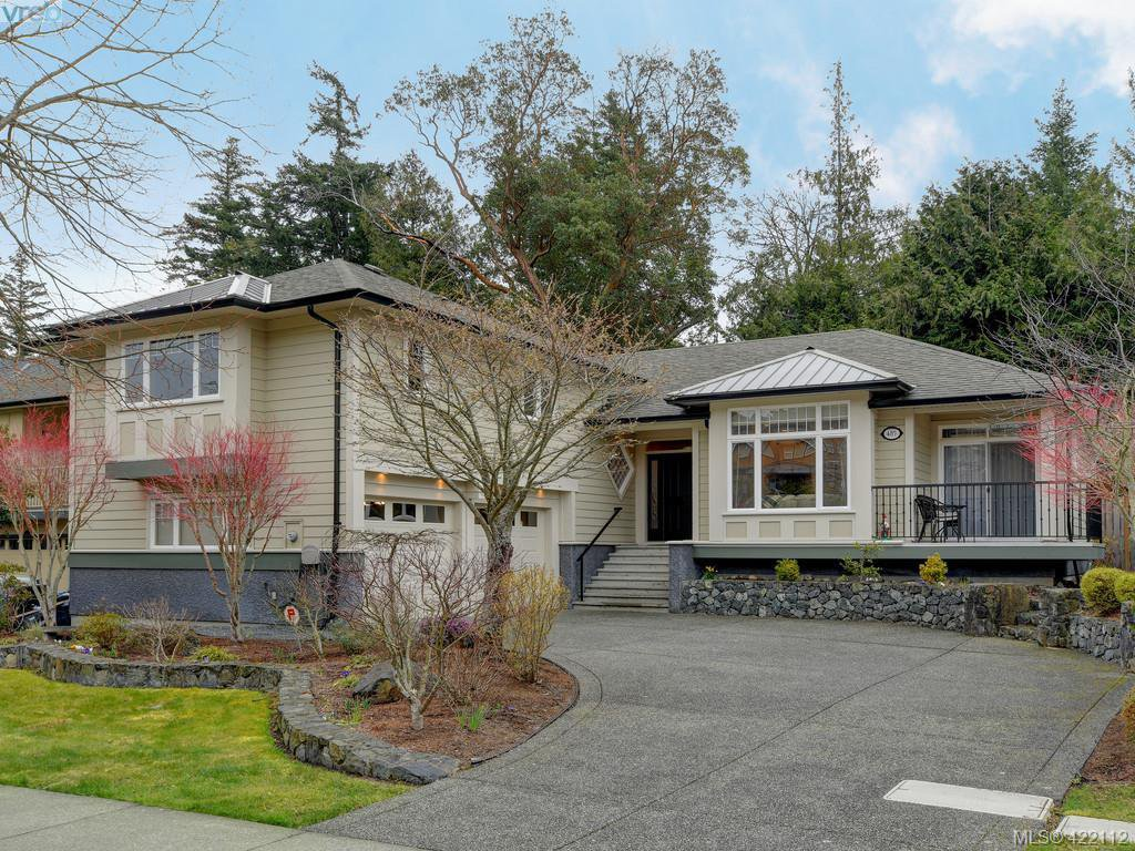 Main Photo: 485 Royal Bay Dr in VICTORIA: Co Royal Bay Single Family Detached for sale (Colwood)  : MLS®# 835538