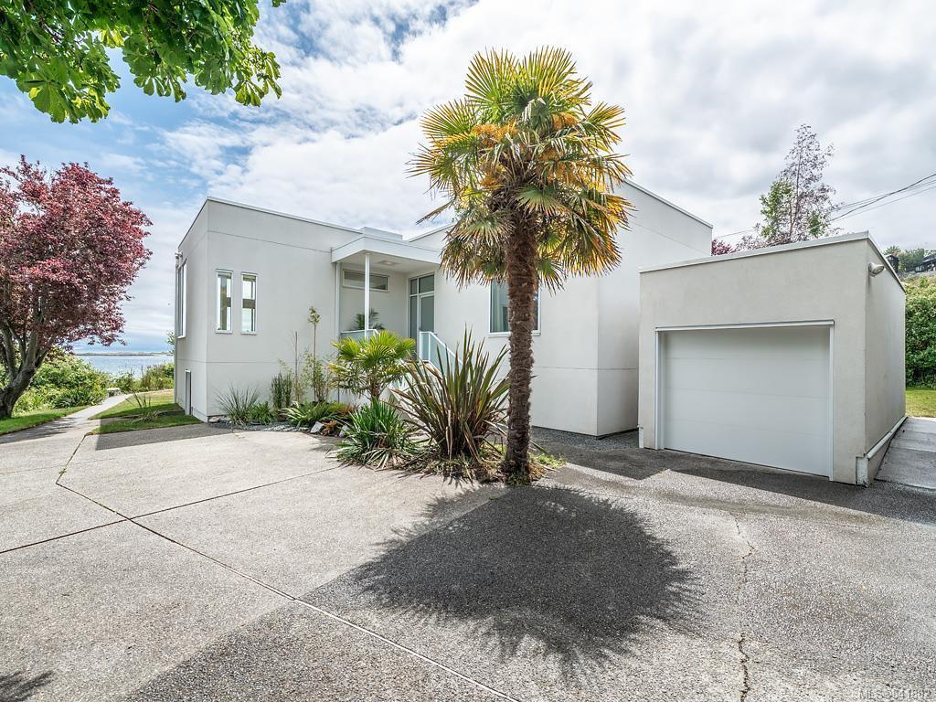 Main Photo: 207 Beach Dr in Oak Bay: OB Gonzales House for sale : MLS®# 841882