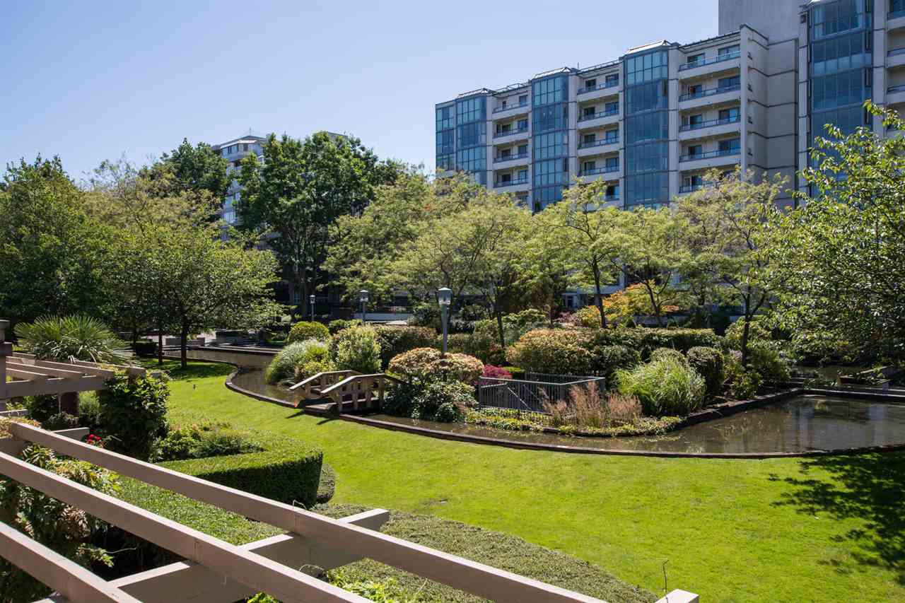 "Photo 10: Photos: 213 525 WHEELHOUSE Square in Vancouver: False Creek Condo for sale in ""Henley Court"" (Vancouver West)  : MLS®# R2510479"