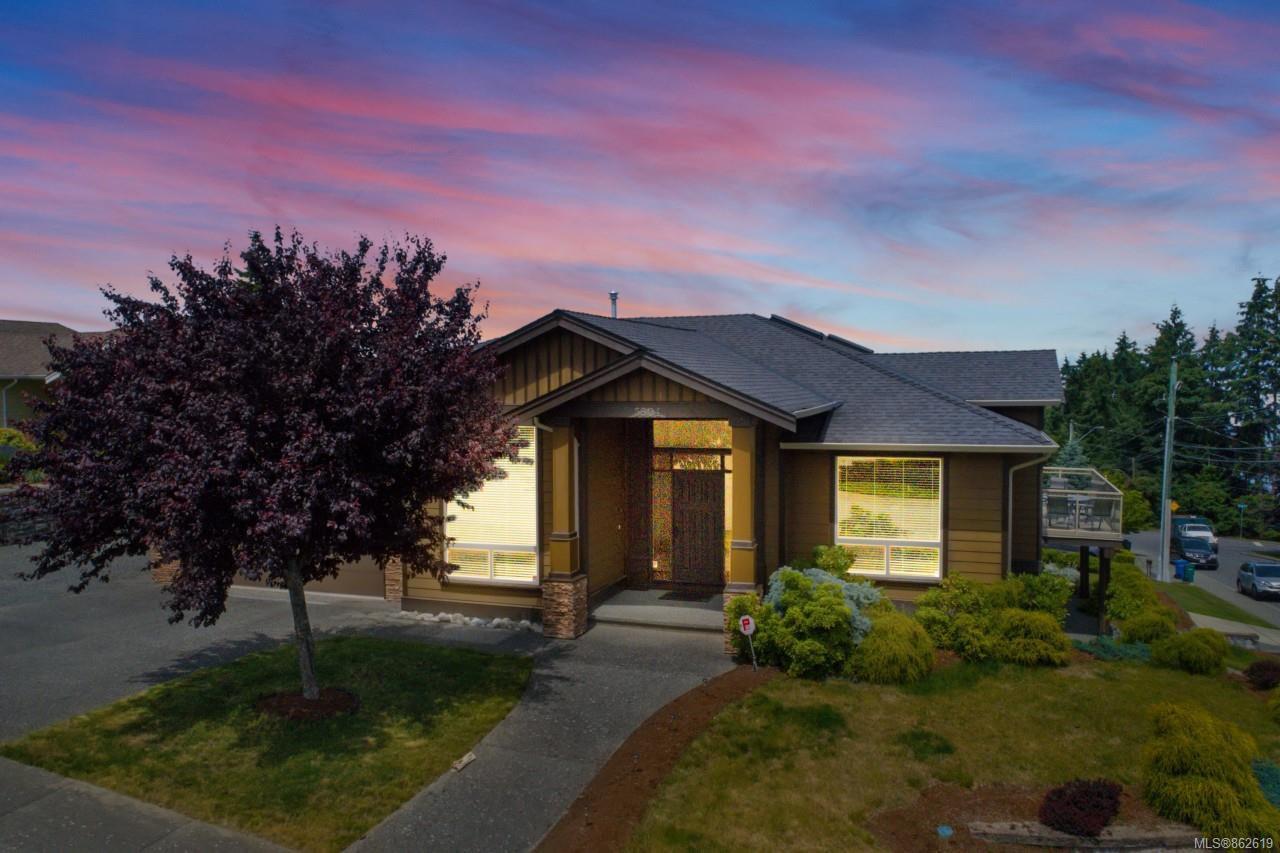 Main Photo: 5604 Muggies Way in : Na North Nanaimo House for sale (Nanaimo)  : MLS®# 862619
