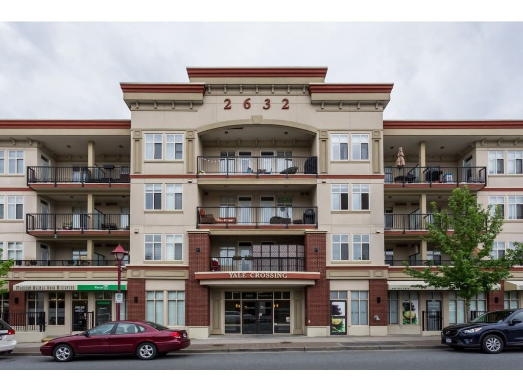 "Main Photo: 306 2632 PAULINE Street in Abbotsford: Central Abbotsford Condo for sale in ""YALE CROSSING"" : MLS®# R2394548"