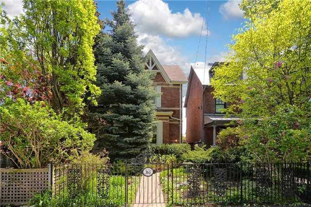 Main Photo: 365 Wellesley St, Toronto, Ontario M4X 1H2 in Toronto: Semi-Detached for sale (Cabbagetown-South St. James Town)  : MLS®# C4143278