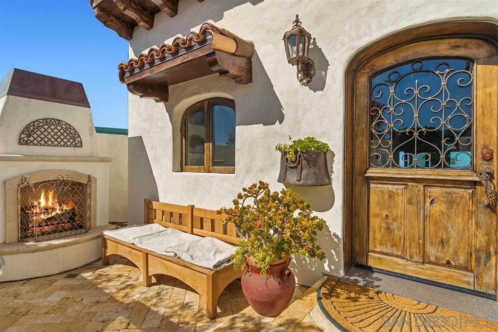 Main Photo: LA JOLLA House for rent : 3 bedrooms : 1594 Crespo Dr
