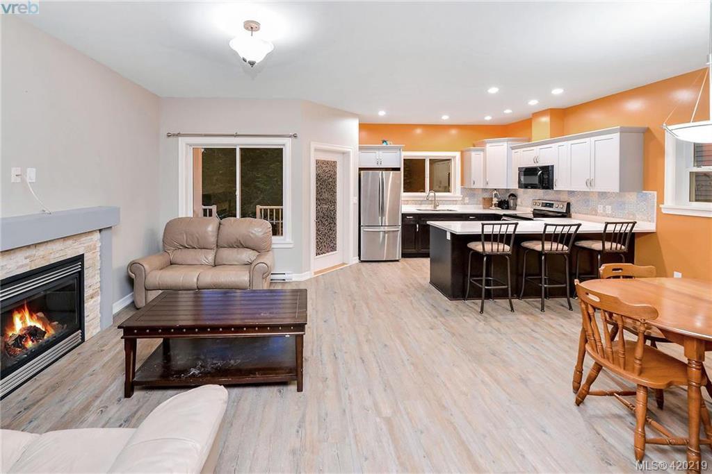 Photo 4: Photos: 108 6800 W Grant Rd in SOOKE: Sk Sooke Vill Core Single Family Detached for sale (Sooke)  : MLS®# 831690
