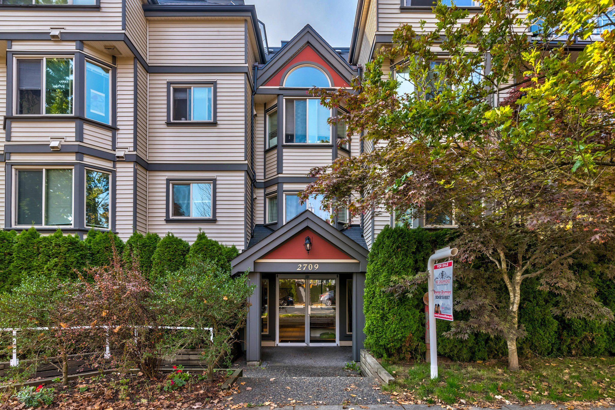 Main Photo: 103 2709 Victoria Drive in Vancouver: Grandview Woodland Condo for sale (Vancouver East)  : MLS®# R2504262