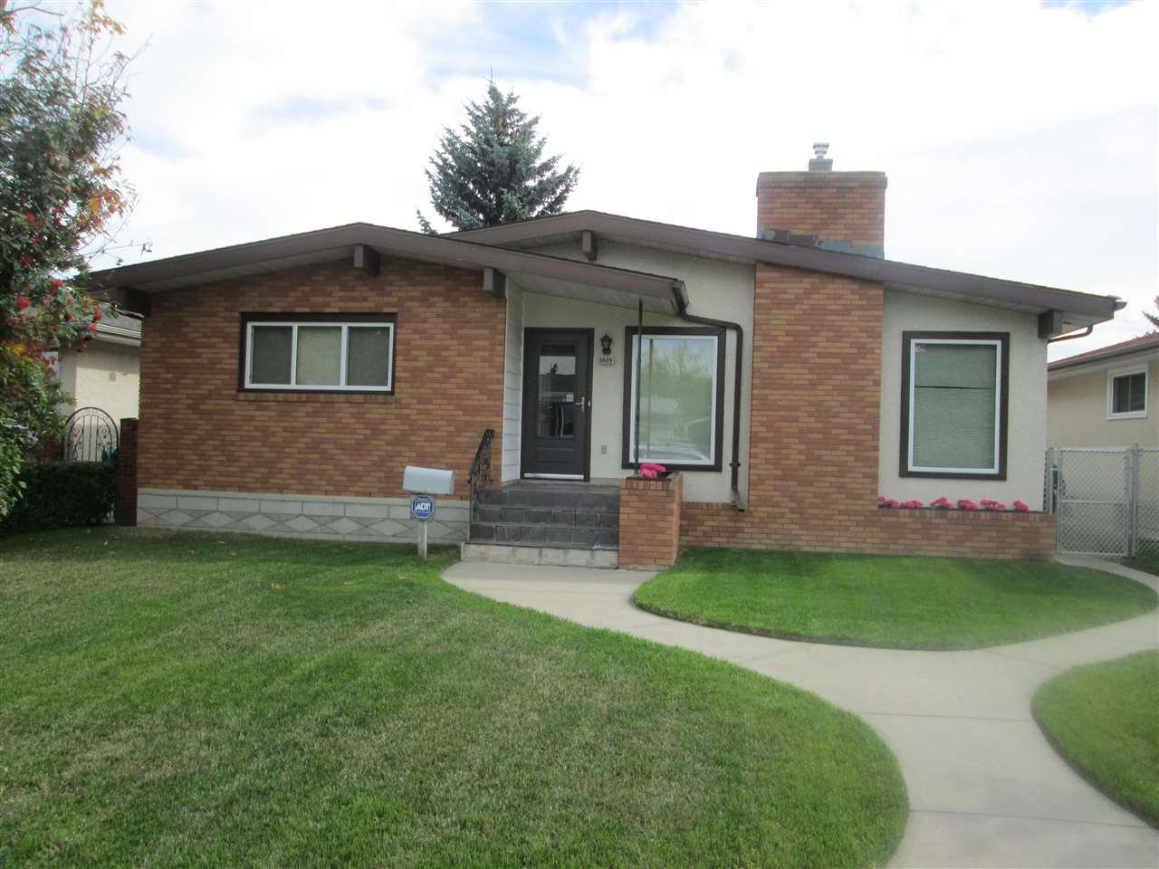 Main Photo: 3619 108 Street in Edmonton: Zone 16 House for sale : MLS®# E4173957