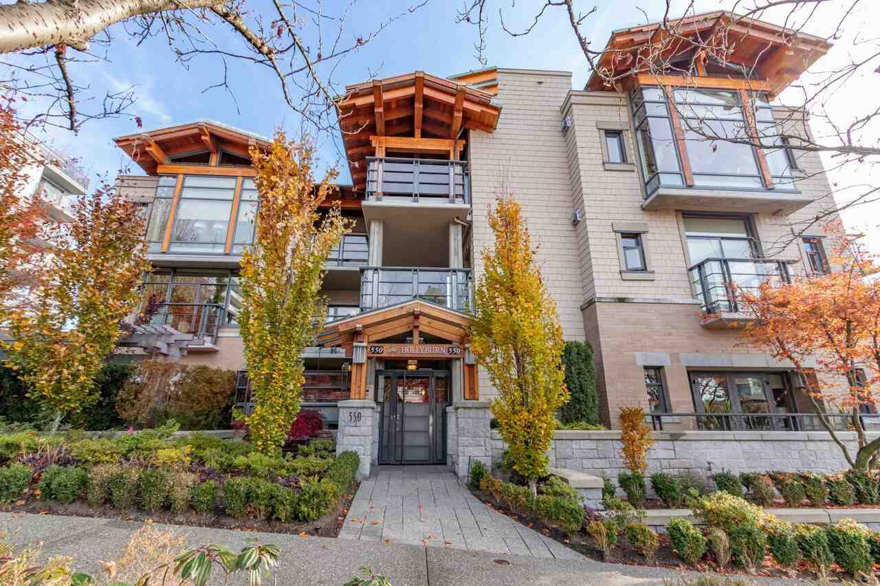 "Main Photo: 206 550 17TH Street in West Vancouver: Ambleside Townhouse for sale in ""THE HOLLYBURN"" : MLS®# R2419647"