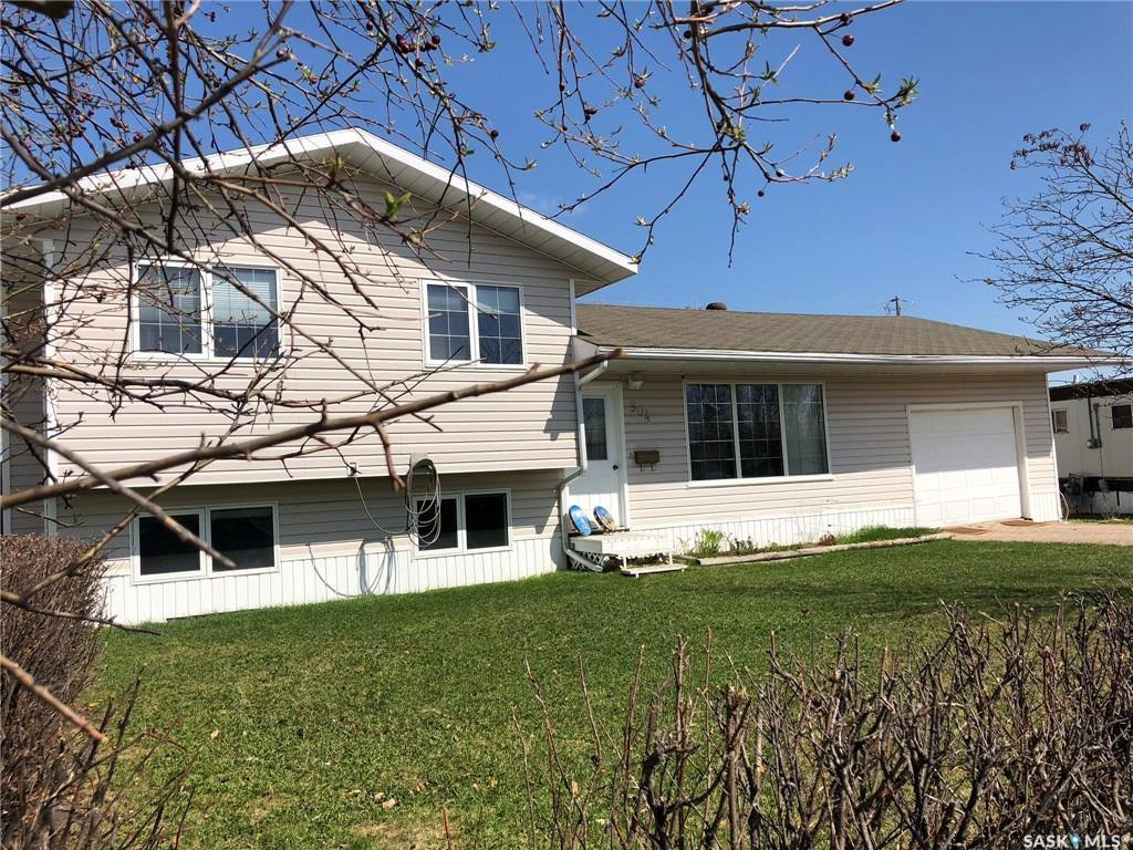Main Photo: 504 Simpson Crescent in Hudson Bay: Residential for sale : MLS®# SK807929