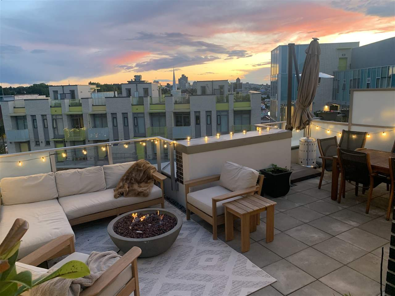 "Photo 1: Photos: 609 2508 WATSON Street in Vancouver: Mount Pleasant VE Condo for sale in ""THE INDEPENDENT"" (Vancouver East)  : MLS®# R2462704"