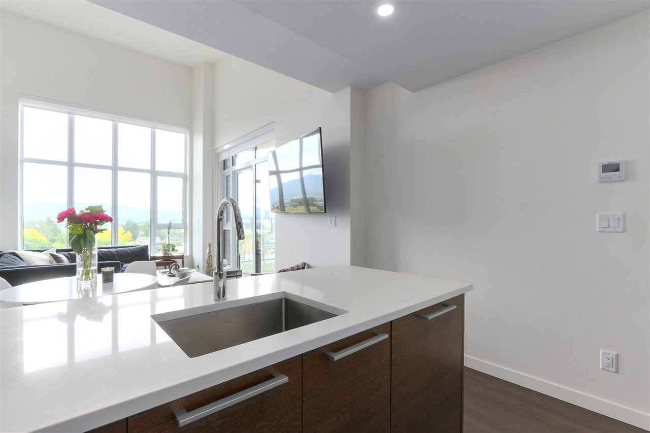 "Photo 9: Photos: 609 2508 WATSON Street in Vancouver: Mount Pleasant VE Condo for sale in ""THE INDEPENDENT"" (Vancouver East)  : MLS®# R2462704"